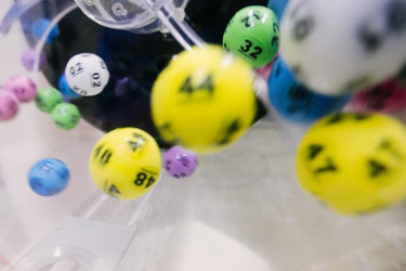 methods to predict lottery numbers accurately